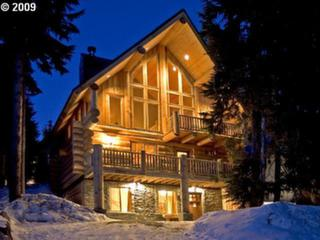 Magnificent Log Chalet In The Heart Of Gov't Camp!